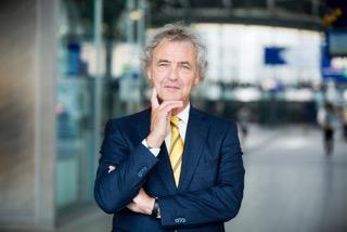 Roger van Boxtel nieuwe voorzitter Stichting Mr. J.C. Bloem-Poëzieprijs