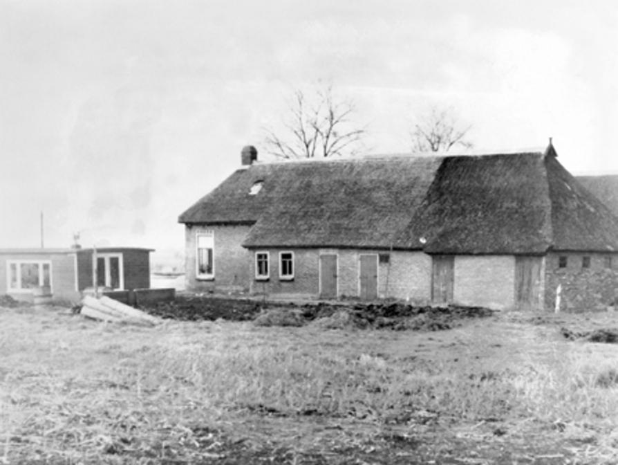 Kalenberg boerderijtje met daarnaast de 'Wijze Uil'